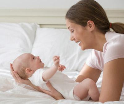 Tìm người chăm sóc mẹ và bé sau sinh liệu có cần thiết đến vậy?